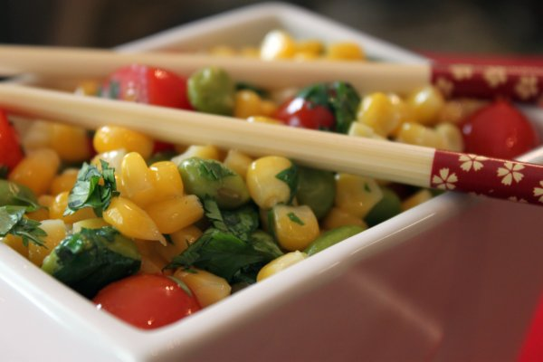 Post image for Corn with Tomatoes and Edamame Bean Salad
