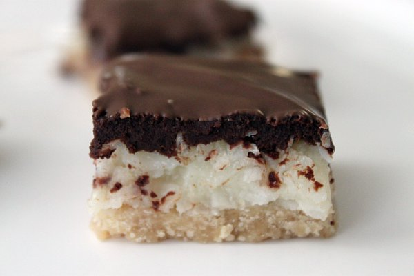 Post image for Peanut Butter Almond Joy Bars