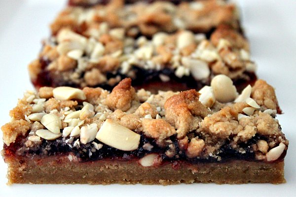 Post image for Peanut Butter and Jelly Bars