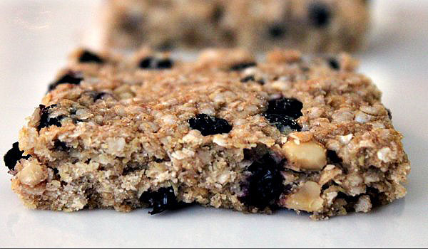 Post image for Quinoa Fruit and Nut Bar