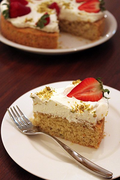 Post image for Pistachio-Honey Cake with Berries and Cream