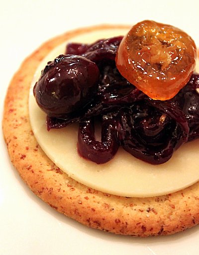 Post image for Blueberry Onion Jam with Candied Kumquats